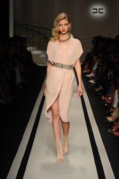 Sfilata Elisabetta Franchi Milano - Collezioni Primavera Estate 2017 - Vogue