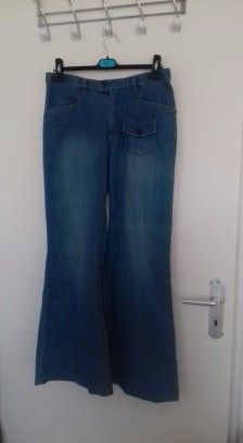 ed1ec2356fa70 Pantalon taille haute avec jambes larges. Taille correctement ( 40 ).   ripcurl