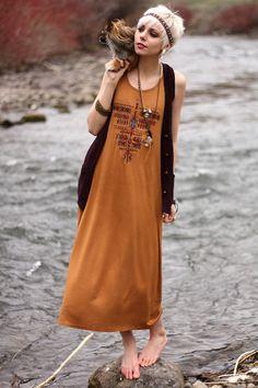Native Dress and Pink Pewter headband Boho Fashion, Fashion Beauty, Fashion Outfits, Bohemian Style, Boho Chic, Gypsy Style, Pixie, Boho Hairstyles, Hippie Outfits