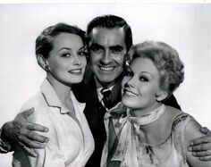 Victoria Shaw, Tyrone Power, Kim Novak - The Eddy Duchin Story Hollywood Icons, Hollywood Fashion, Golden Age Of Hollywood, Classic Hollywood, Old Hollywood, Hollywood Style, Tyrone Power, Loretta Young, Jesse James