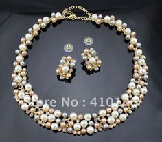 Pearl necklace (gold) with different colour pearls