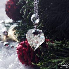 antiallergén prizma medál Pendant Necklace, Christmas Ornaments, Holiday Decor, Jewelry, Jewlery, Jewerly, Christmas Jewelry, Schmuck, Jewels