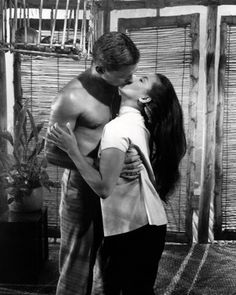 John Kerr and France Nuyen, South Pacific Scene Photo, Movie Photo, Old Hollywood Glamour, Classic Hollywood, South Pacific Movie, France Nuyen, John Kerr, Zorba The Greek, Movie Market