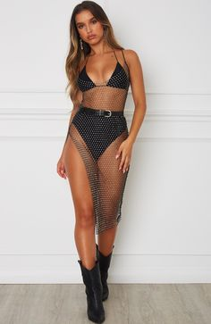 ibiza outfits clubbing & ibiza outfits ` ibiza outfits party ` ibiza outfits night ` ibiza outfits party night ` ibiza outfits summer ` ibiza outfits party what to wear ` ibiza outfits clubbing ` ibiza outfits night summer Black Festival Outfit, Music Festival Outfits, Festival Wear, Festival Fashion, Rave Festival, Dresses For Festivals, Music Festival Style, Ibiza Outfits, Rave Outfits