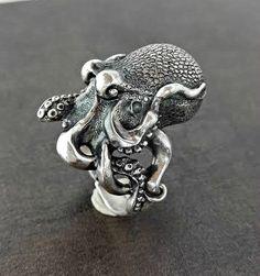 octopus pillbox ring