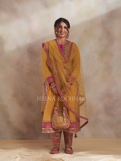Indian Fashion Trends, Indian Fashion Dresses, Indian Designer Outfits, Indian Outfits, Party Wear Indian Dresses, Dress Indian Style, Indian Wear, Embroidery Suits Punjabi, Embroidery Suits Design