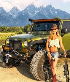 Jeep Wrangler Girl, Jeep Wrangler Rubicon, Trucks And Girls, Car Girls, Girl Car, Jeep Jk, Jeep Truck, Green Jeep, Jeep Baby