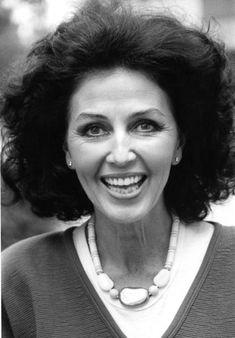 Upea Lenita Airisto, 1986. Kuva: Mauri Vuorinen (iltalehti) Gorgeous Women, Georgia, Woman, Battle, Beautiful Women, Gorgeous Girl, Women