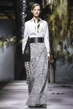 Vionnet Ready To Wear Fall Winter 2015 Paris - NOWFASHION