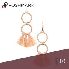🆕Double Link Ring Mini Tassel Dangle Earring Double Link Ring Mini Tassel Dangle Earring  CA Lead and Nickel Compliant Product Adult Only   🔺Firm price🔺 Jewelry Earrings