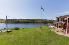 Amazing seaside estate, just outside Hudiksvall Read more on follow link: https://www.swedenestates.com/realestate/MDEwN3wwMDAwMDExMjMyM3w1OA you will also find contact details to the real estate agent. Welcome to Sweden Estates  www.swedenestates.com