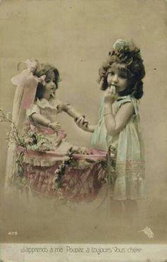 Meisjes. with a doll