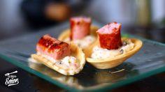 Tartaleta de salchichas con crema de salsa Chimichurri