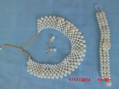 Bride's Pearl set Necklet, armband and earrings COP$ 100.000=