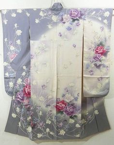This is a Furisode with bold 'somewake'(dyed with separate design) of exotic roses pattern, which is dyed