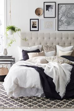 7 Artistic Hacks: Minimalist Bedroom Grey Benches minimalist home declutter simple living.Minimalist Home Declutter Simple Living minimalist bedroom grey lights.Minimalist Home Apartments Living Rooms. Cozy Bedroom, Bedroom Inspo, Dream Bedroom, Home Decor Bedroom, Bedroom Ideas, Bedroom Designs, Budget Bedroom, Bedroom Apartment, Bedroom Wall