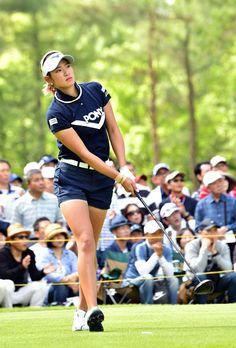 Asian Woman, Asian Girl, Golf Images, Lpga, Ladies Golf, Sports Women, Athlete, Golfers, Running