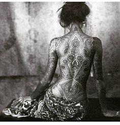 Sacred Sunday Vibes 💫  Just sit with yourself for a bit. Enjoy your own essence.  Feel your senses and the sacredness of the self. 💥 ___________ #sacredgeometry #mandala #mandalatattoo #mystic #tattooedyogi #meditate #mehndiSacred Sunday Vibes 💫  Just sit with yourself for a bit. Enjoy your own essence.  Feel your senses and the sacredness of the self. 💥 ___________ #sacredgeometry #mandala #mandalatattoo #mystic #tattooedyogi #meditate #mehndi