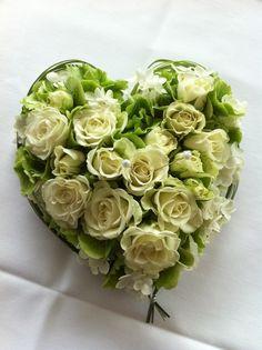 Rosen für die Eheringe! Ringkissen