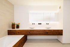 Moderne Badkamer Idees : Moderne badkamer met ligbad en inloopdouche moderne modern