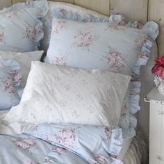 Rachel Ashwell Shabby Chic BELLA ROSE blue FABRIC crisp