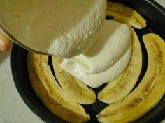 Порадуйте себя и родных вкуснейшей творожно банановой запеканкой с отрубями! ВКУСНО И ПОЛЕЗНО! -400 гр творога ? -3 банана ? ? ? -стакан молока ? -5 ст.л Pancakes, Sweet Treats, Dairy, Food And Drink, Banana, Cheese, Fruit, Cooking, Breakfast