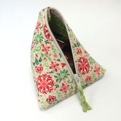 CT-Evergreen-Triangle-Bag