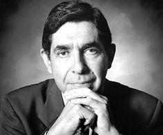 Oscar Arias Sanchez. Ex-Presidente de Costa Rica y Premio Nobel de la Paz.  http://www.thefamouspeople.com/profiles/images/oscar-arias-sanchez-1.jpg