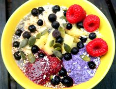Selinas Ekologiska Meze. Super Breakfast! Chia pudding with almond milk and the chia jams blueberry/almond & pomegranate/heather