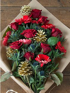 Flowers Direct, Red Roses, Christmas Wreaths, Delivery, Facebook, Holiday Decor, Free, Home Decor, Decoration Home