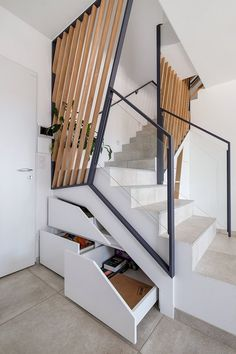 30 Modern stairs: tips, materials and great ideas – Decor Glass Stairs, Concrete Stairs, Floating Stairs, Architecture Restaurant, Architecture Details, Restaurant Design, Spiral Staircase, Staircase Design, Escalier Design