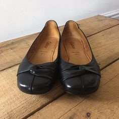UK SIZE 4.5 WOMENS GABOR BLACK LEATHER PUMPS FLATS KNOT DETAIL  | eBay