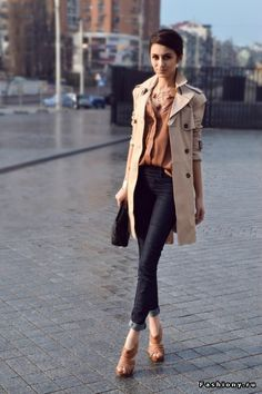 Smart casual... Glammed up beige trench coat / mac, black jeans & heels