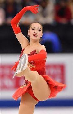 Found on Bing from www.pinterest.fr Beautiful Asian Girls, Most Beautiful Women, Russian Figure Skater, Alina Zagitova, Ice Girls, Curvy Girl Lingerie, Athletic Girls, Figure Skating Dresses, Gymnastics Girls