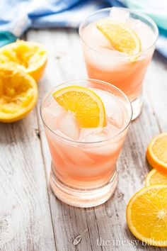 Cranberry Orange Crush: This cocktail is a refreshing mixture of tart cranberry juice, fresh squeezed orange juice, vodka, and a splash of bubbly lemon-lime soda. Party Drinks, Cocktail Drinks, Fun Drinks, Cocktail Recipes, Alcoholic Drinks, Drink Recipes, Camping Drinks, Beach Cocktails, Brunch Drinks
