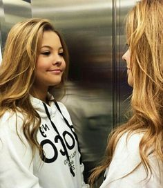 ❤huummm.....Sorrizinho 💭🌟💕💜 Julia Gomes, Tumblr Girls, Pretty Girls, Teen, T Shirts For Women, Long Hair Styles, People, Beauty, Beautiful