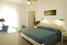 Hotel Miami * * * Double Room - www. Double Room, Miami, Bed, Furniture, Home Decor, Decoration Home, Stream Bed, Room Decor, Home Furnishings