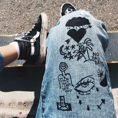 Graphics jeans