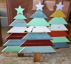 Christmas trees from salvaged wood. From one of my favorite stores Southern Architecture. Pallet Tree, Pallet Christmas Tree, Christmas Wood Crafts, Christmas Tree Design, Christmas Yard, Christmas Projects, Winter Christmas, Holiday Crafts, Christmas Decorations