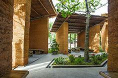 Nachhaltige Gartenhäuser aus Bambus und Stein - H&P Architekten