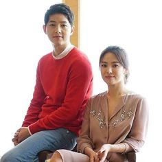 regram @viki This just in The Song-Song couple is real! #SongJoongKi & #SongHyeKyo are tying the knot IRL in October! Congrats!  For more developing stories head to @soompikpop at www.soompi.com.  #DescendantsOfTheSun #DOTS #kdrama #kdramas #koreandrama #koreandramas #oppa #Hallyu #VikiTV #kbs #SongSongCouple