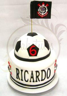 Football Soccer cake - Caketutes Cake Designer