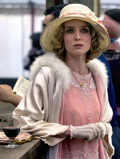 Annabelle Wallis as Grace Burgess TV: Peaky Blinders Costumes by Lorna Marie Mugan Costume Peaky Blinders, Peaky Blinders Dress, Peaky Blinders Grace, Peaky Blinders Tv Series, 20s Fashion, Fashion History, Vintage Fashion, Estilo Gatsby, Grace Burgess