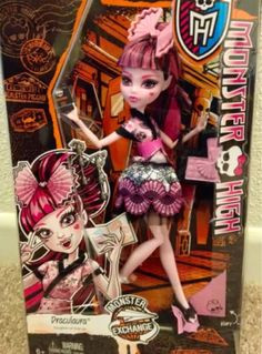 Monster High Student Exchange Draculaura Doll NEW In Hand Just Released