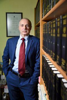 """ΔΙΚΗΓΟΡΙΚΟ ΓΡΑΦΕΙΟ ΓΙΑΓΚΟΥΔΑΚΗΣ ΚΑΒΑΛΑ,  τ. 2510834031 - Ειδικός Δικηγόρος σε Διαζύγια, Οικογενειακό Δίκαιο, Ποινικό Δίκαιο- 'Οραμά μας ένας καλύτερος κόσμος χωρίς αδικίες! """"Είμαστε εδώ για να σε βοηθήσουμε Άμεσα, Πιστά και με Συνέπεια"""". Single Breasted, Suit Jacket, Suits, Jackets, Fashion, Down Jackets, Moda, Law, Fashion Styles"""