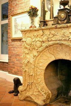 Living in luxury! Gorgeous sculpted fireplace! !