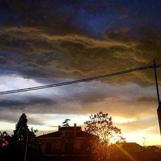 Atardecer con mucho aire en Riba-roja. #Sol #Nubes #Cielo #Atardecer #estoyenribaroja #Valenciagram #Valenciagrafias #valenciaturisme #loves_valencia by kikebm__78