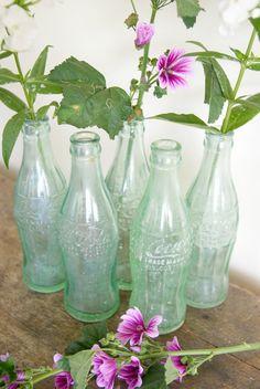 The Art of Interior Styling - belle maison Wedding Bottles, Wedding Vases, Coca Cola Pictures, Bon Voyage Party, Coca Cola Bottles, Bridal Pictures, Old Farm Houses, Vintage Bottles, Bottle Vase