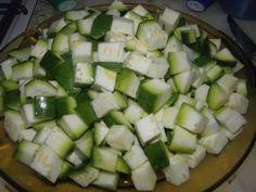 Tortilla de zapallitos verdes recipe step 1 photo Zucchini, Pink, Torte Recipe, Plate, Food Cakes, Recipes, Cooking, Healthy Food, Veggies