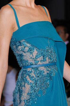 Great color, and beatiful lace..... Perfect glamour dress..